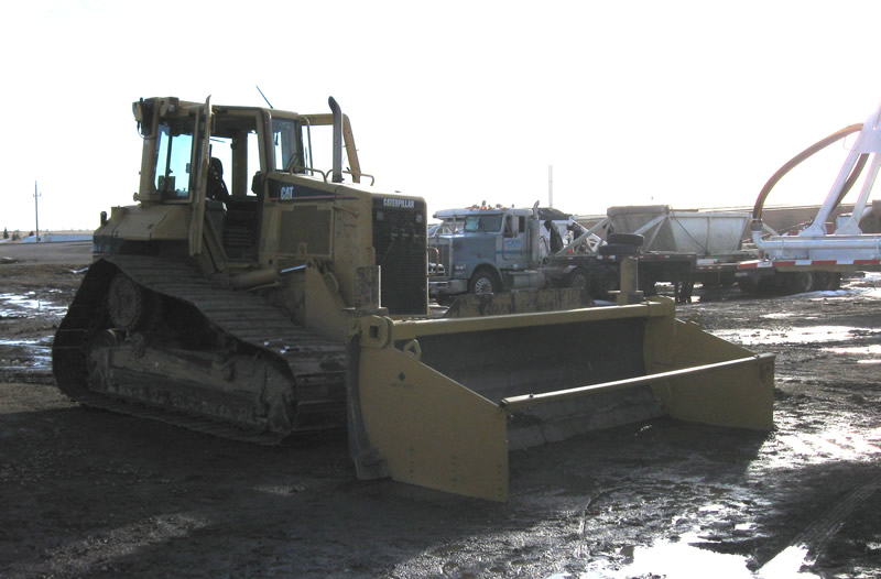 D6 cat with spreader box
